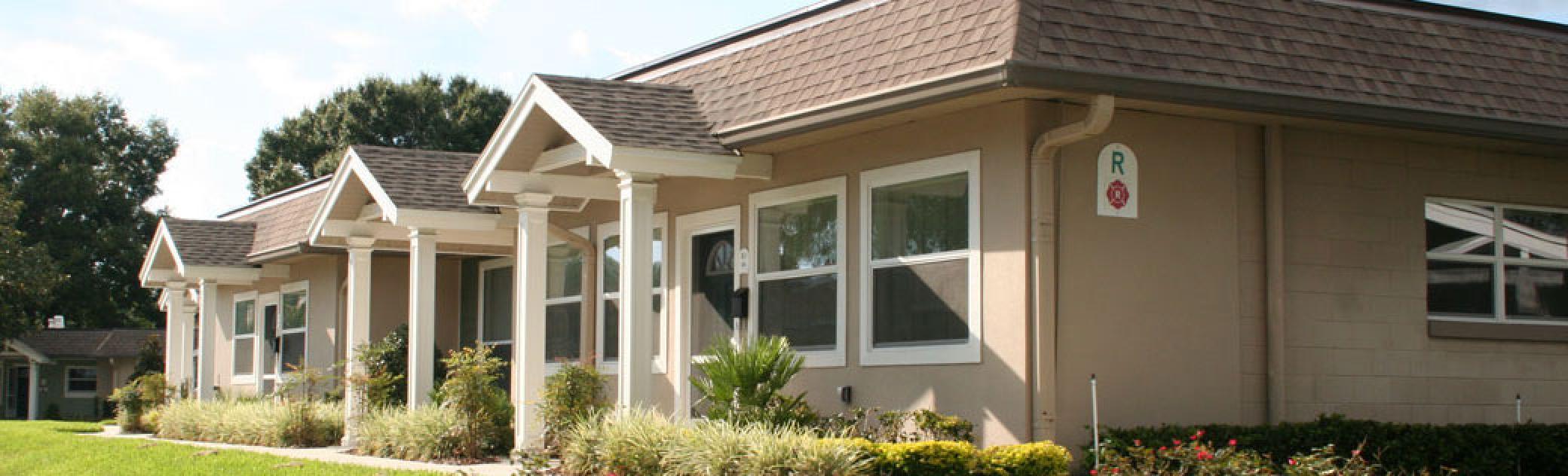 Garden Home Exterior Slider Image